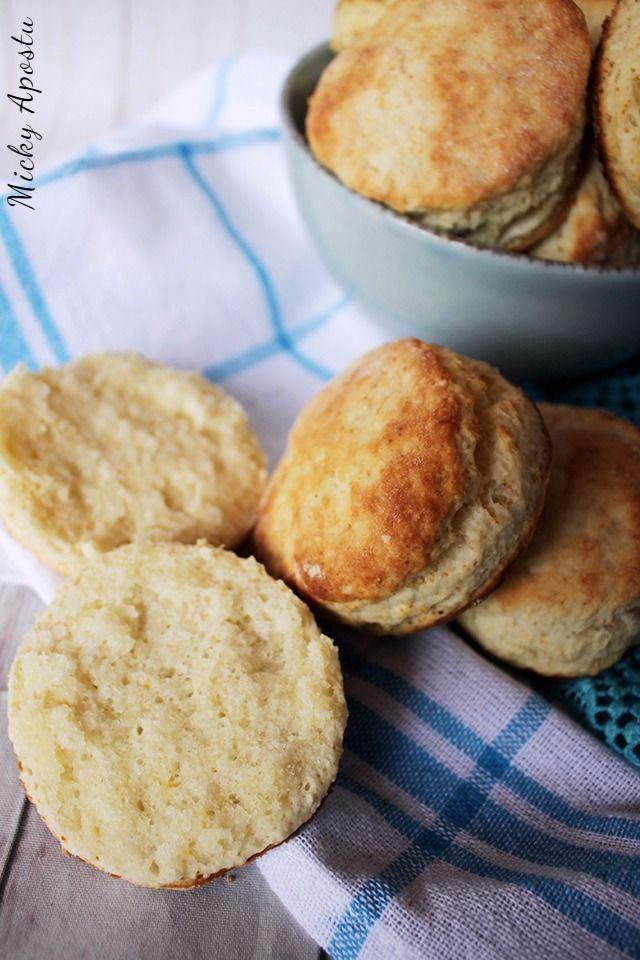 Flaky buttermilk biscuits / Biscuiti cu lapte batut - Din bucataria lui Micky