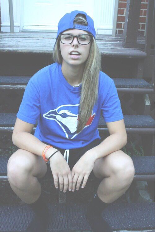 25 Cute Lesbian Outfits Ideas On Pinterest Tomboy Outfits Tomboy Clothes And Androgynous