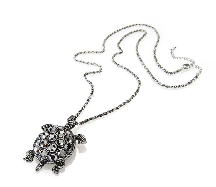 Collar wonderiing by Cyzone - Lo usarás con todo! De metal bañado en gris oscuro metalizado y cristales. www.cyzone.com