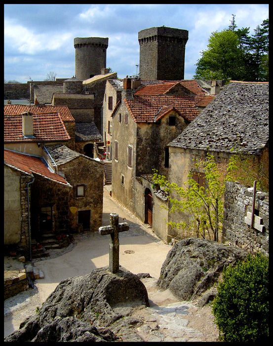 La Couvertoirade ~ i use to live 2 miles from there....Very knights templar