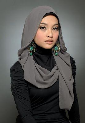 hijab with big earings