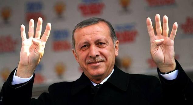 Simbol Rabia Kesiapan Erdogan Menghadapi Kudeta  [portalpiyungan.com] Sesungguhnya kudeta yang terjadi di Mesir memberi banyak sekali pelajaran bagi para aktivis Islam di negara lain. Terutama bagi mereka yang kini memimpin negeri. Bahwa mereka harus mempersiapkan dengan segala rupa bila saja kudeta itu benar-benar terjadi. Erdogan selalu setia dengan simbol rabiah (empat jari) yang sering sekali dia tunjukkan kepada rakyatnya. Seolah memberi kode kepada rakyatnya bahwa kudeta di Mesir itu…