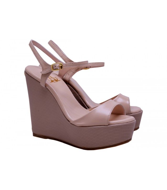 LEATHER WEDGE SANDALS DESIGNER LOU Stylish platform in nude color,you can wear it from morning till night. AVAILABLE COLORS:NUDE BLACK