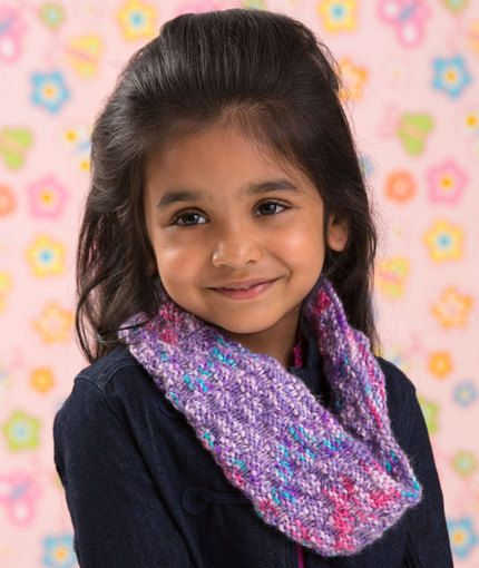 Little Sophisticate Cowl Free Knitting Pattern from Red Heart Yarns
