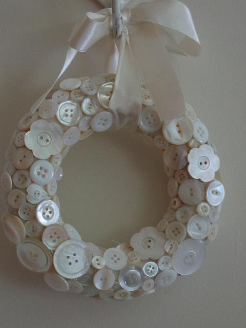 white button wreath