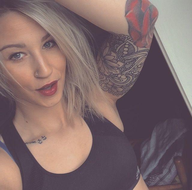 WARDROBE, SUITCASE & SYDNEY #hashtah #grwm #blogger #blogg #norway #sleeve #girlswithtattoos #tattoos #ink #girlswithink #wanderlust #blondie #blondehair #redlipstick