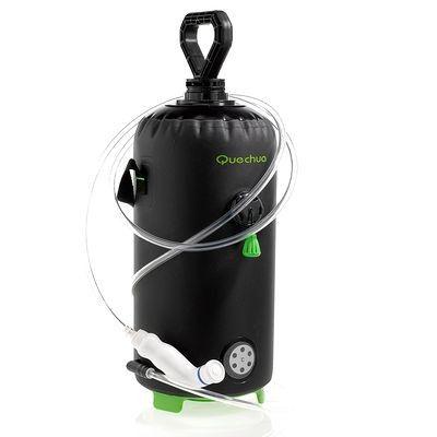 Hygiène Randonnée, Camping - Douche portable solaire QUECHUA - 45€  Permet d'avoir de l'eau sous pression