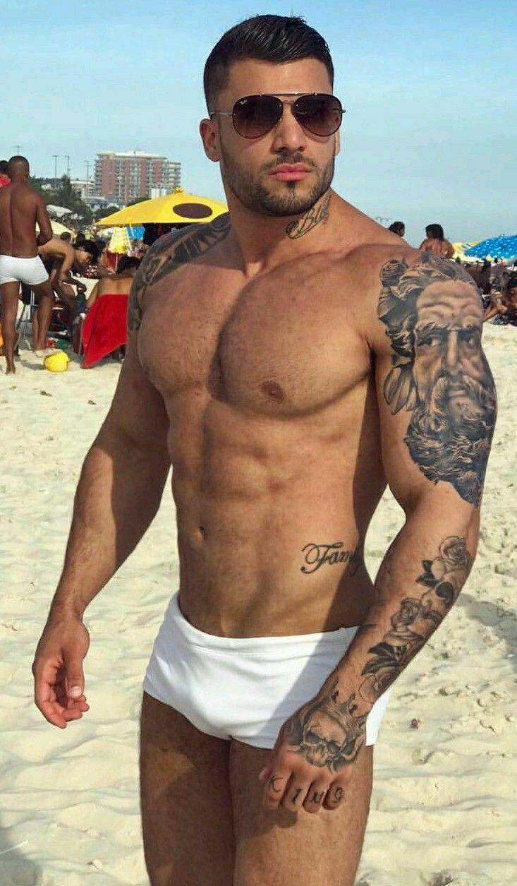 Hunks in tats combat