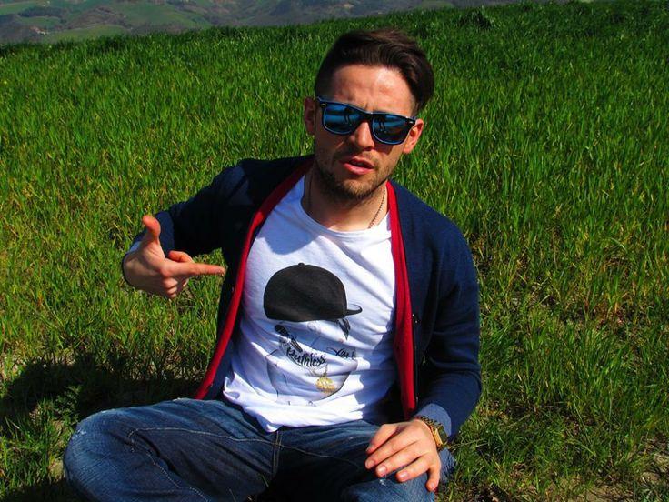 Grazie ai nostri #blogger di Blackknoir per l'articolo sulle nostre #tshirt #siamoises! Diego pic. http://bit.ly/1i8a6pR