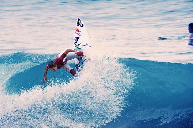 Sally Fitzgibbons gettin a vertical snap!