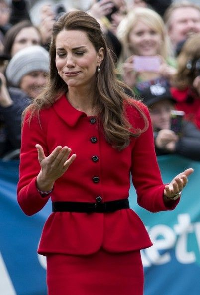 Kate Middleton - Prince William and Kate Middleton in Christchurch — Part 2. Love this picture, love her expression, in this game.