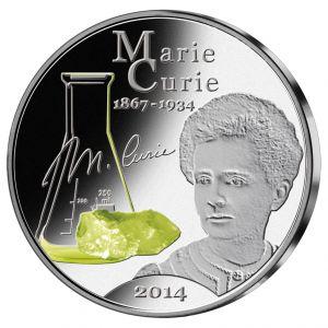 Maria Skłodowska - Curie -  jej dziedzictwo naukowe nieodwracalnie zmieniło świat nauki, a nam Polakom dało ogromny powód do dumy. Srebrna moneta z wizerunkiem dwukrotnej noblistki to nie tylko piękny numizmat, ale również sentymentalny ukłon w kierunku jej osiągnięć naukowych.
