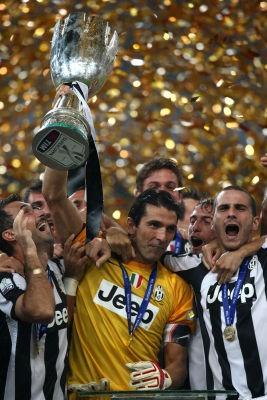 Juventus vs. Napoli - Finale Supercoppa Italiana 2012 - Stadio Bird\'s nest di Pechino.  First of many??