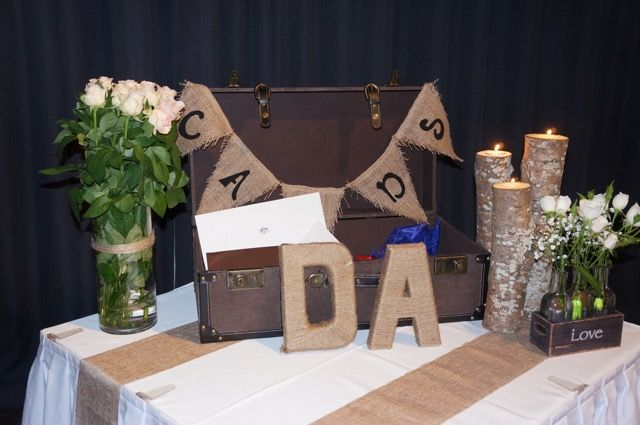 Rustic card and gift table.