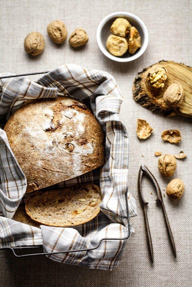 - VANIGLIA - storie di cucina: Pane integrale con fichi secchi, noci e miele di castagno