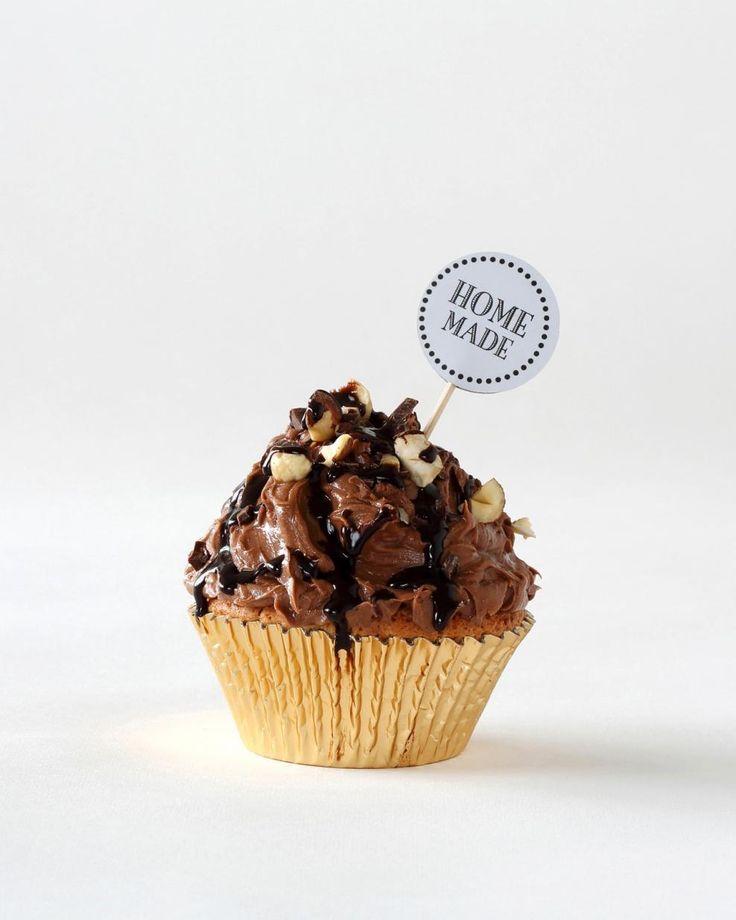 Nutella-suklaakuppikakut // Nutella Chocolate Cupcake Food & Style Annika Elomaa Photo Joonas Vuorinen Kaneli & Sokeri 1/2016 www.maku.fi