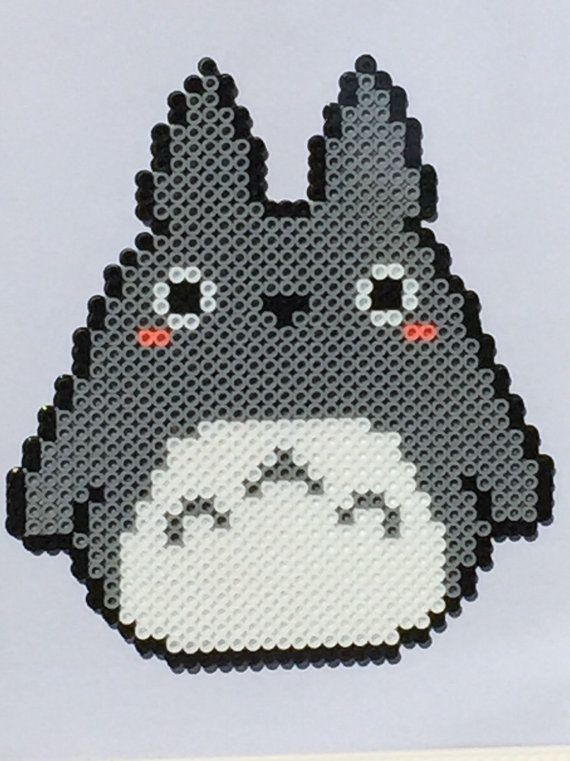Totoro Perler Bead Art                                                                                                                                                                                 Más