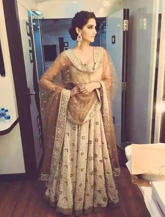Sonam Kapoor -gorg lehenga for reception
