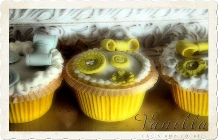 Buttons&ribbons cupcakes