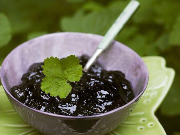 Schwarze Johannisbeermarmelade ist ein Rezept mit frischen Zutaten aus der Kategorie Johannisbeermarmelade. Probieren Sie dieses und weitere Rezepte von EAT SMARTER!