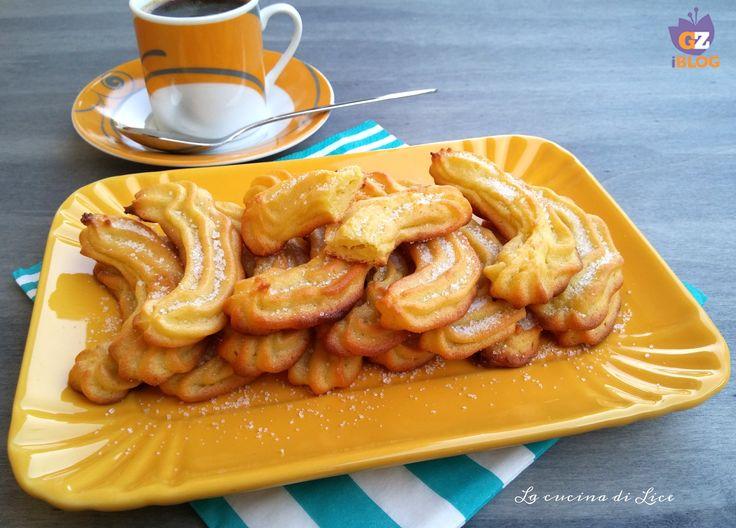 I biscotti morbidi di patate sono semplici da preparare, il loro sapore è delicato e particolare, ottimi per la prima colazione e per una merenda nutriente.