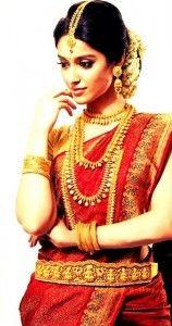 ileana-dcruz-22carat-gold-jewellery