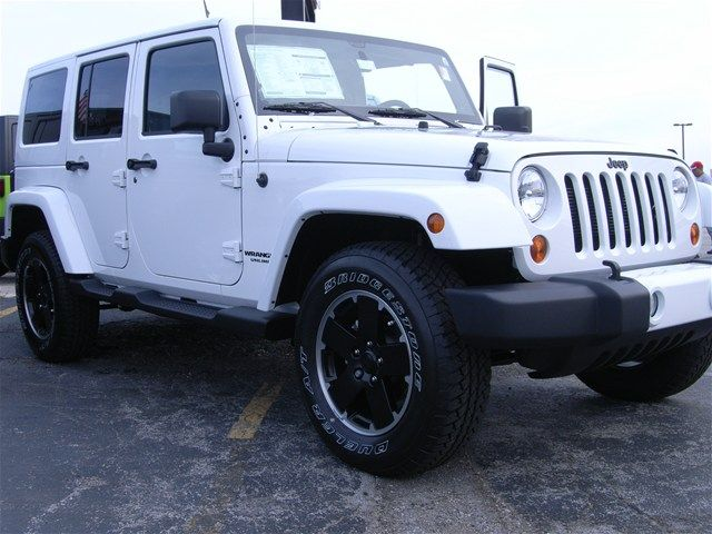 2012 jeep wrangler unlimited bright white clearcoat altitude edition blackout tires south. Black Bedroom Furniture Sets. Home Design Ideas