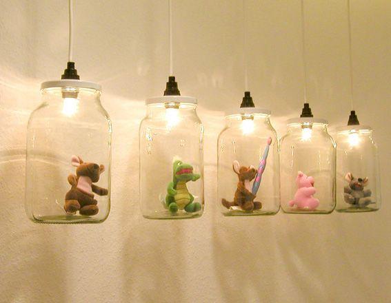 Lampes suspension avec des jouets (utiliser des LED)