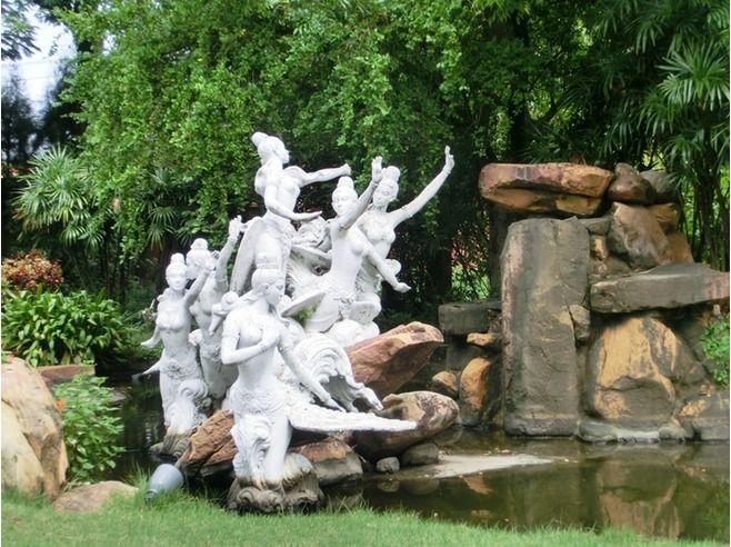 ancient city: muang boran; The Manahra Garden