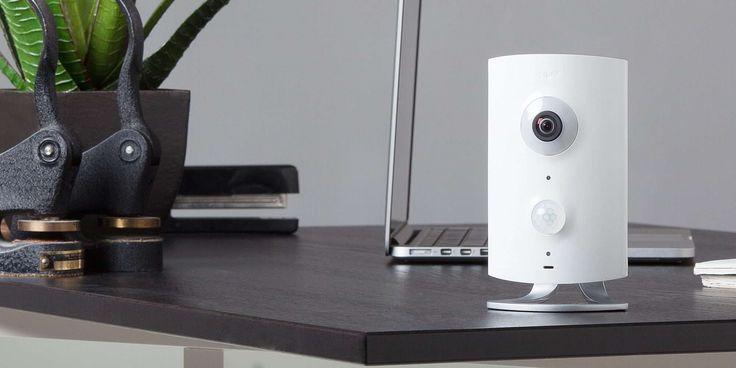 iControl bietet die Überwachungskamera Piper nv an, die Sie über eine Android- oder iOS-App steuern können. Die Piper nv verfügt über verschiedene Sensoren, um zum Beispiel Bewegungen oder Geräusche zu erkennen. Außerdem können Sie mit viel Zubehör die Kamera auf ein Sicherheitssystem mit tollen Smart-Home-Funktionen aufrüsten.Piper nv: Großer Blickwinkel, viel ZubehörDie nimmt Bilder mit einemWeiterlesen