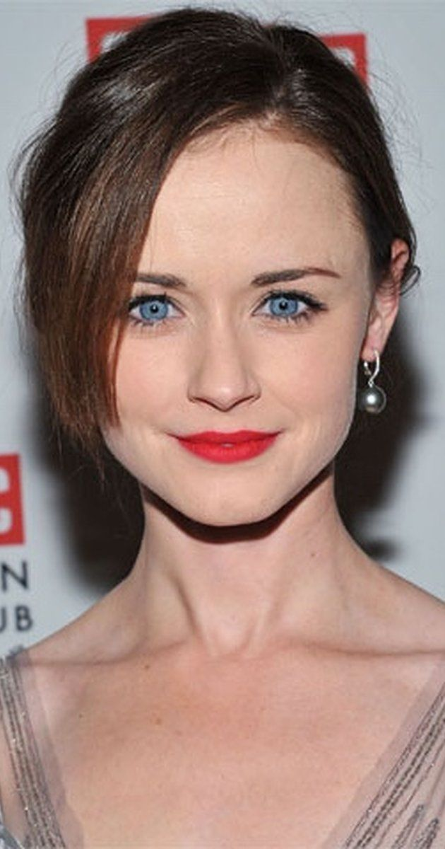Alexis Bledel, Actress: Gilmore Girls. Alexis Bledel was born in Houston, Texas, to Nanette (Dozier) and Martin Bledel. Her parents are both Spanish-speakers (her mother was born in Arizona and raised in Mexico, and her father was born in Argentina), and Alexis's ancestry is Danish, German, English, Scottish, and French. Alexis made her television debut in Gilmore Girls (2000), after spending years in front of the camera as a model. ...