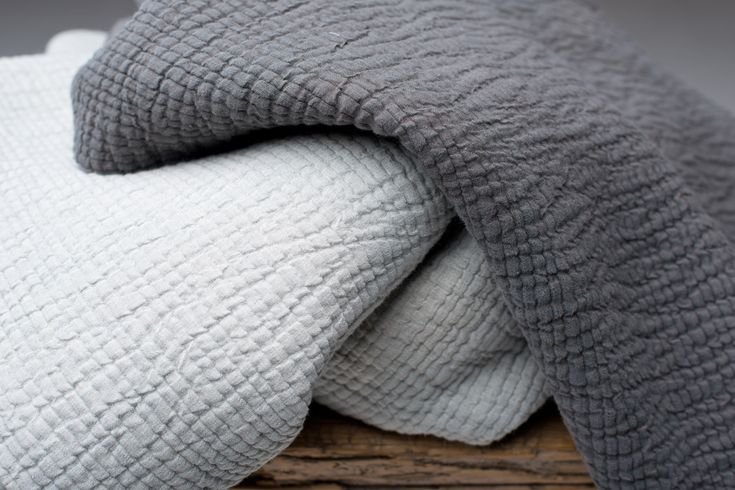 Modena Mano Morbida is a thick and soft double weave in cotton and linen from Astrid.
