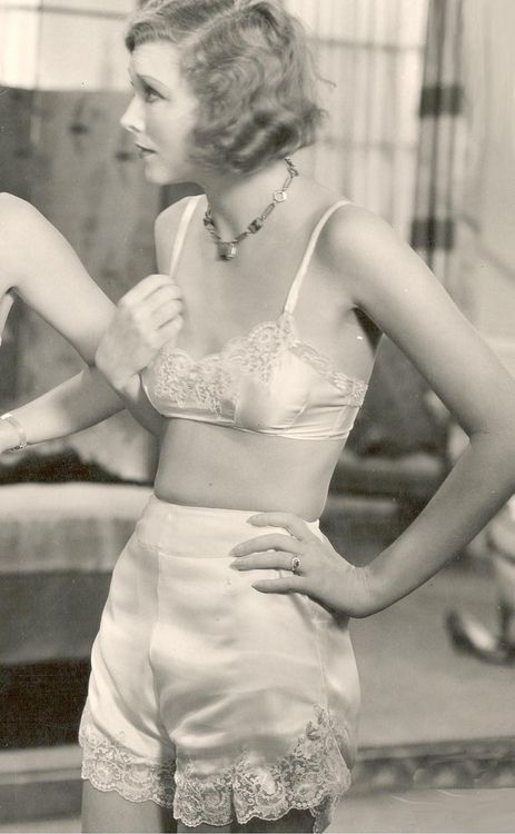 late 20s early 30s knickers + bra | vintage 1920s 1930s undergarments
