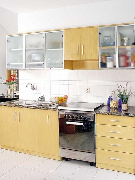 Nice Kitchen -  http://www.ideaonline.co.id/iDEA2013/Interior/Furnitur/Praktis-dengan-Kitchen-set-single-line