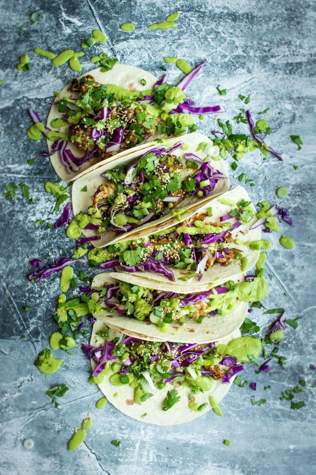 Vegan Teriyaki Cauliflower Tacos. Full of fresh flavours, these are a great dinner or snack!