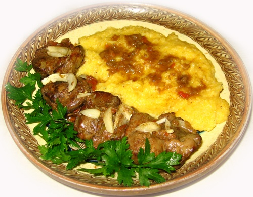 fried pork liver with garlic and polenta (ficatei de porc prajiti cu usturoi si mamaliguta)