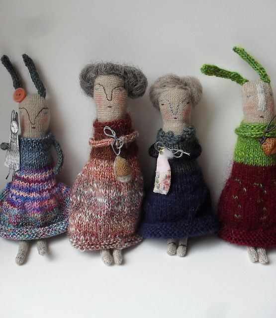 Melodie Stacey - Look at those beautifully knitted outfits! How absolutely wonderful! <3