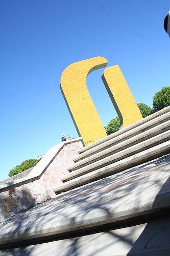 Celebran 25 aniversario del Archivo General de la Universidad Autónoma de Aguascalientes, y anuncian la construcción de un edificio para ampliar el área de archivo.