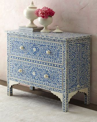 The Mediterranean/French countryside call in this blue Hilliard console via @Horchow - the floral #design is stunning! #home #decor
