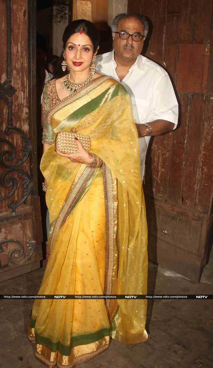 Sridevi was ravishing in a Sabyasachi sari on Karva Chauth  http://movies.ndtv.com/photos/karva-chauth-ke-chand-sridevi-shilpa-maanyata-maheep-18647/slide/1