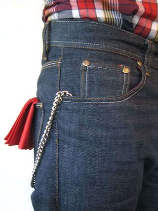 levis and a red rag in the back pocket.. classic!