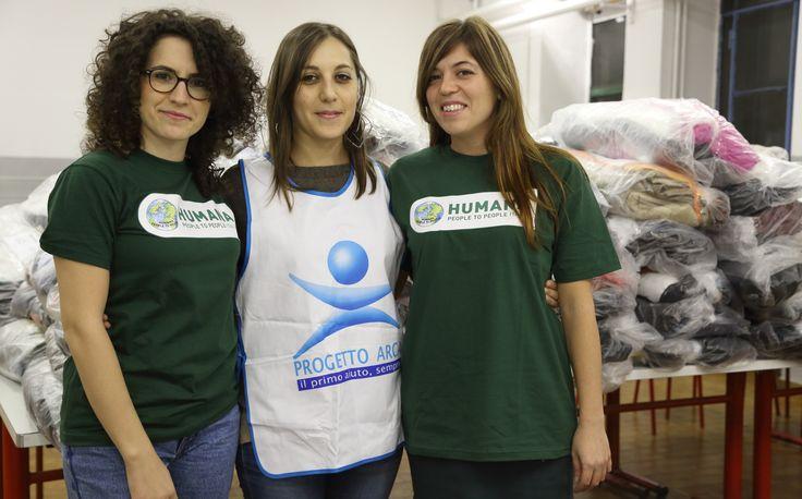 Distribuzione dei kit solidali a Milano - con Fondazione Progetto Arca Onlus  Credits: foto di Daniele Lazzaretto.