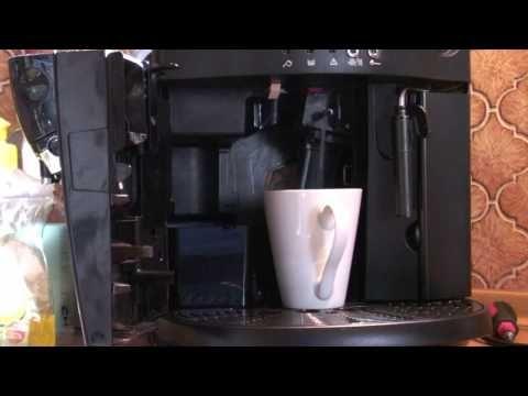 Delonghi esam 4000, Kaffeesatz fällt daneben - YouTube