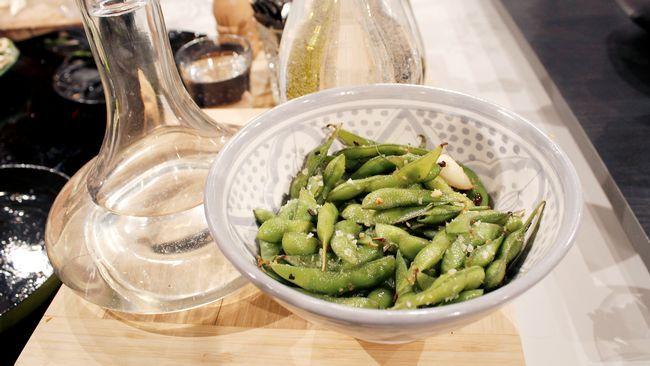 Denna dressing skapades av en prisbelönt japansk kock. Perfekt i sallader när man serverar asiatisk mat men kan användas när som helst. Gör gärna en större sats att ha på lut i kylskåpet.
