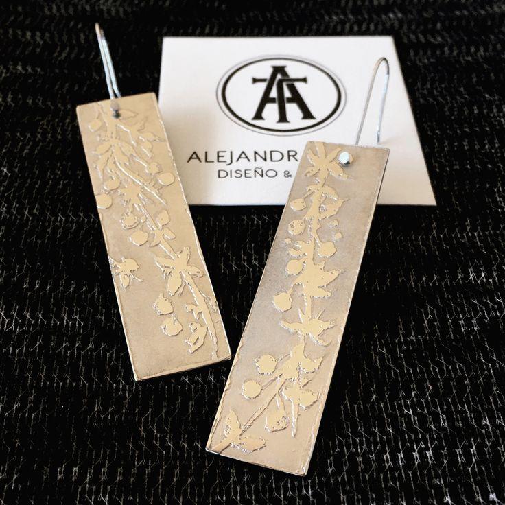 Aros grabados, en alpaca y plata, motivos ramitas de calafate | Alejandra Tapia | Patagonia • Chile.