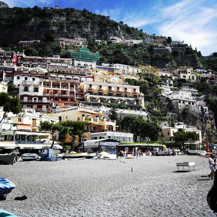 Oggi siamo in trasferta...  #larustica  #larusticavaapositano #spiaggia #mare #positano
