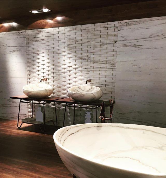 Inlove Marble Wood Luxurybathroom Salonedelbagno Eurocucina Milan Salonedelmobile Milandesignweek Interni Interiordesign Stylehausdesign Italy