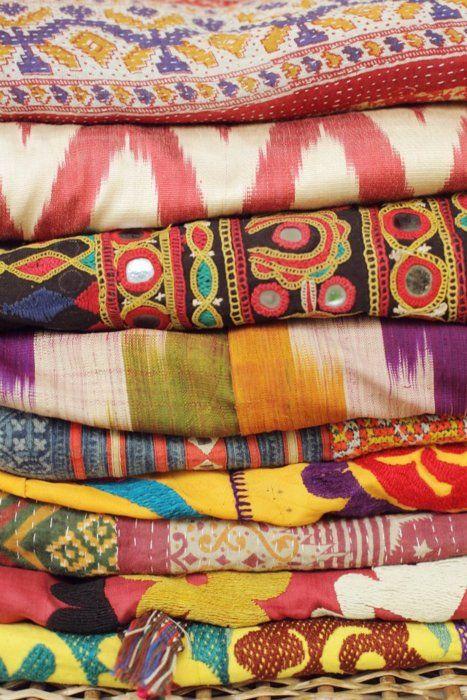 textiles: Colors Patterns, Style, Fabrics Patterns, Interiors Design, Textiles, Boho, Prints, Bright Colors, Bohemian