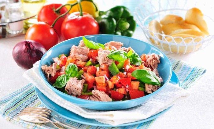 Satsa på en fräsch och läcker lunch med mycket grönsaker! Här får du recept på lättlagade och mättande luncher att ta med till jobbet eller njuta hemma!