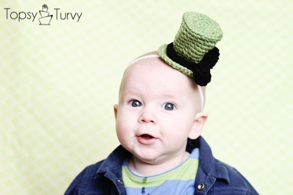I'm Topsy Turvy: St Patricks day- Pot of gold cake & crochet baby top hat